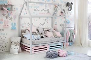 stanza dei bambini vuota nella decorazione foto