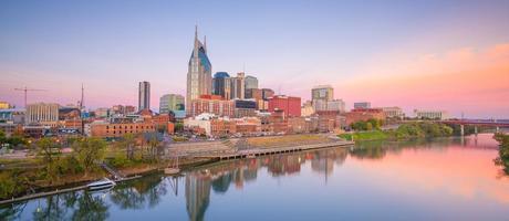 skyline del centro del fiume Cumberland, Tennessee