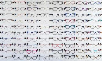 occhiali da vista in una clinica optometrica
