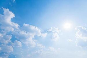 nuvole e cielo durante il giorno foto