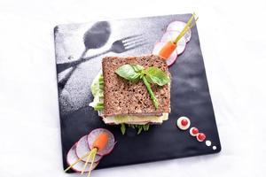 sandwich di asparagi con verdure
