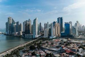 skyline della città di panama foto