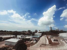 zona dello skyline della zona industriale foto