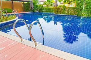 scale per piscina foto