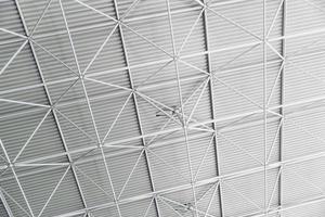 soffitto del tetto in acciaio grigio foto