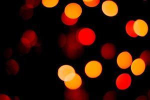 fuori fuoco luci rosse e gialle foto