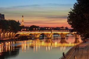 ponte sul fiume a Parigi foto