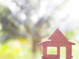 casa di legno all'esterno foto