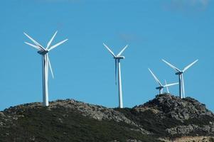 mulini a vento generatori di energia foto