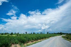 le turbine eoliche hanno generato elettricità foto