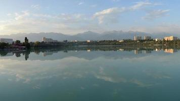 lago di sayran. almaty, kazakistan. foto