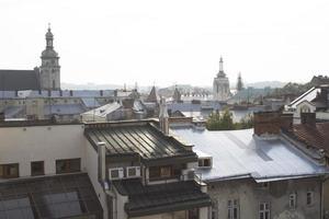 vista dal tetto sul centro della città foto