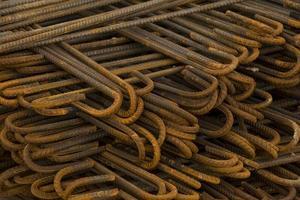 barre di metallo in cantiere foto