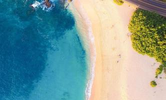 veduta aerea della spiaggia foto