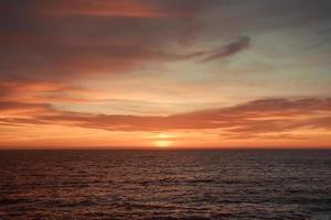 un tramonto colorato foto