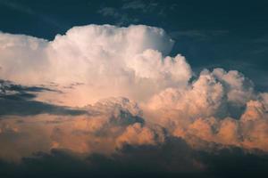 sistema di tempesta in cielo foto
