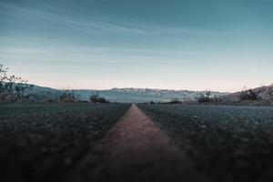 strada concreta vuota foto