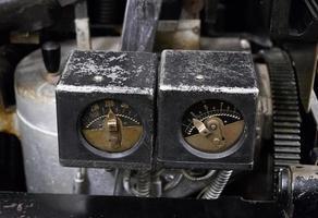 strumento di misura della vecchia macchina in fabbrica