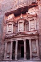 al khazneh, il tesoro dell'antica città di petra, giordania foto