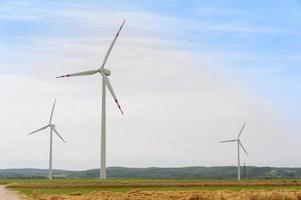 impianto di energia elettrica del mulino a vento foto