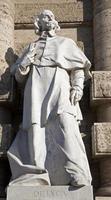 roma - statua de luca dal palazzo di giustizia foto