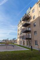 nuova costruzione con balconi foto