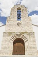 facciata della chiesa cattolica foto