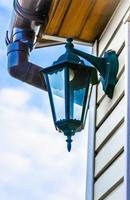 lanterna sul muro foto