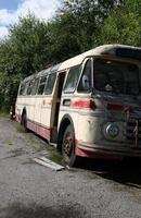 autobus abbandonato foto