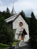 chiesa di san francesco, madonna di campiglio, trentino, italia foto