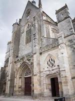 basilica di clery-saint-andre, francia foto