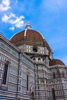 facciata della basilica di santa maria del fiore foto