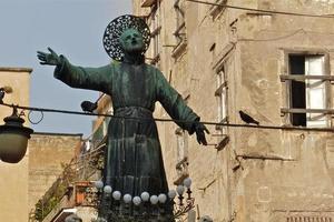 napoli, statua san gaetano