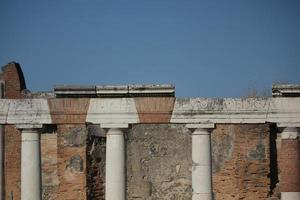colonne del foro romano di pompei foto