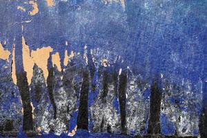 superficie ruvida, graffiata, pelata con pai blu, bianco e nero