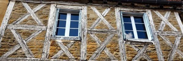 facciata della casa vecchia città di gourdon