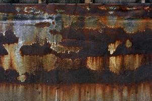 struttura metallica arrugginita foto