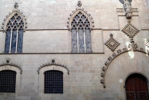 ayuntamiento de barcelona, fachada gotica foto