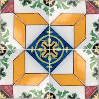 piastrelle smaltate portoghesi tradizionali