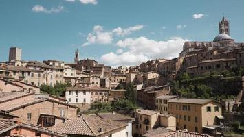case ed edifici storici in città foto
