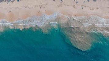 vista a volo d'uccello della spiaggia foto