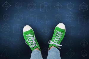 immagine composita di scarpe casual