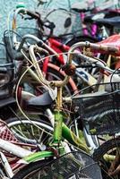 bicicletta arrugginita vintage foto