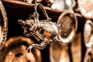 set di tè alla menta nana arabo con pentola in metallo foto