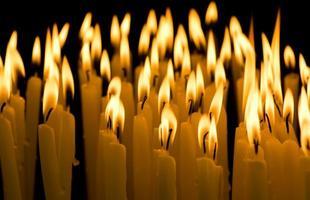 candela nel buio foto
