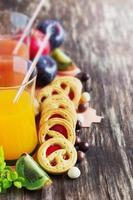 biscotti e succo di frutta