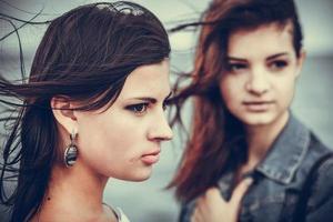ritratto di due donne