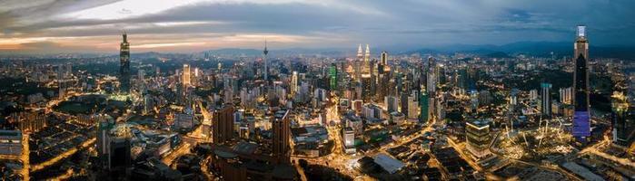 panorama della città di kuala lumpur foto