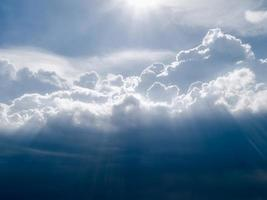 cielo soleggiato del pomeriggio foto