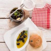 antipasti alle olive foto